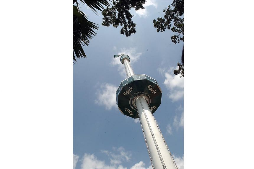 The attraction, initially known as the Carlsberg Sky Tower, at its opening on Feb 12, 2004. It was the first Sentosa attraction to receive foreign direct investment.