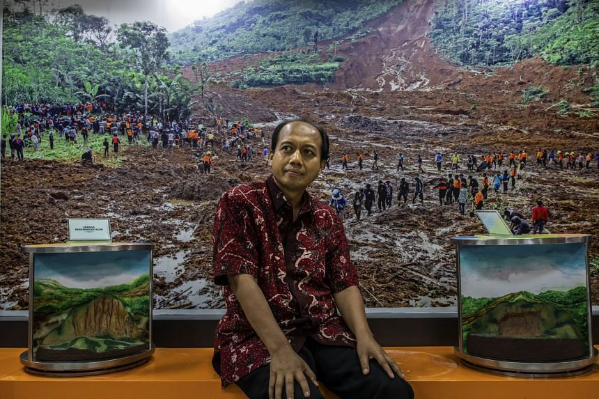 Dr Sutopo Purwo Nugroho learnt early this year that he had Stage 4 lung cancer. Doctors gave him one to three years to live. Dr Sutopo has used the time left to him to plunge into his work, winning the admiration of his compatriots and gaining a larg