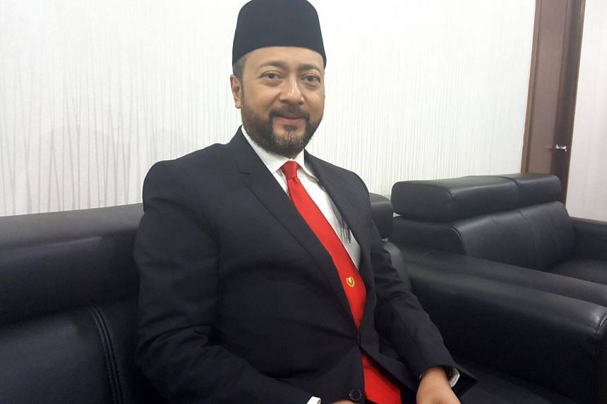 PPBM deputy president Mukhriz Mahathir believes there were elected representatives from the opposition who were keen to join other Pakatan Harapan component parties.