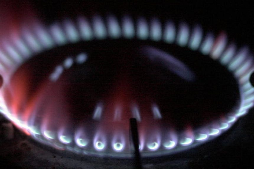 Gas tariffs will fall 0.81 per cent for the period from Jan 1 to March 31. PHOTO: ST FILE