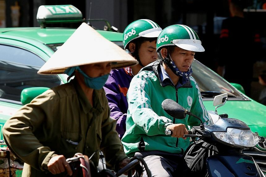 Grab to appeal against ruling to compensate Vietnam taxi