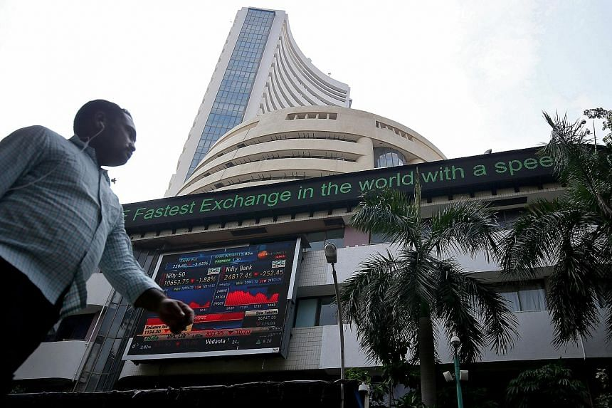 The Bombay Stock Exchange building in Mumbai. While Asian markets ended the year in the red, India managed to eke out a small gain. Shanghai was the worst performing major stock market in the world, at nearly 25 per cent below where it started the ye