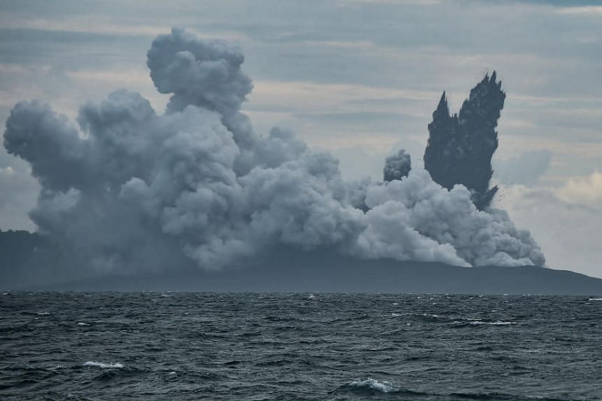 Seismographic data from Sertung Islands, a cluster of islands near Anak Krakatau in the Sunda Strait, showed that there were no more unusual tremors in the volcano.