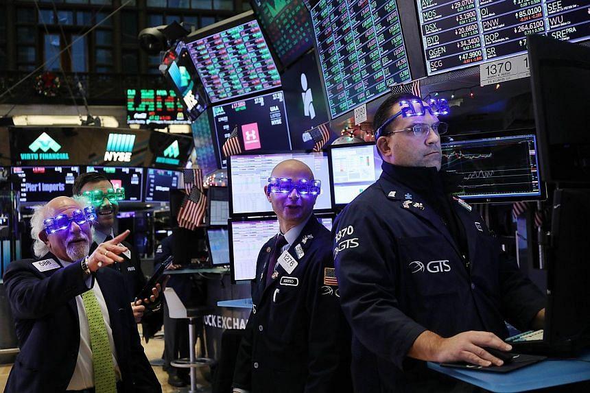 """Résultat de recherche d'images pour """"new york, stock exchange, 2018, 2019"""""""