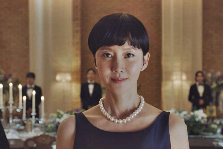 In South Korean drama Sky Castle, ambitious women continually think of new ways to up their children's college admission chances.