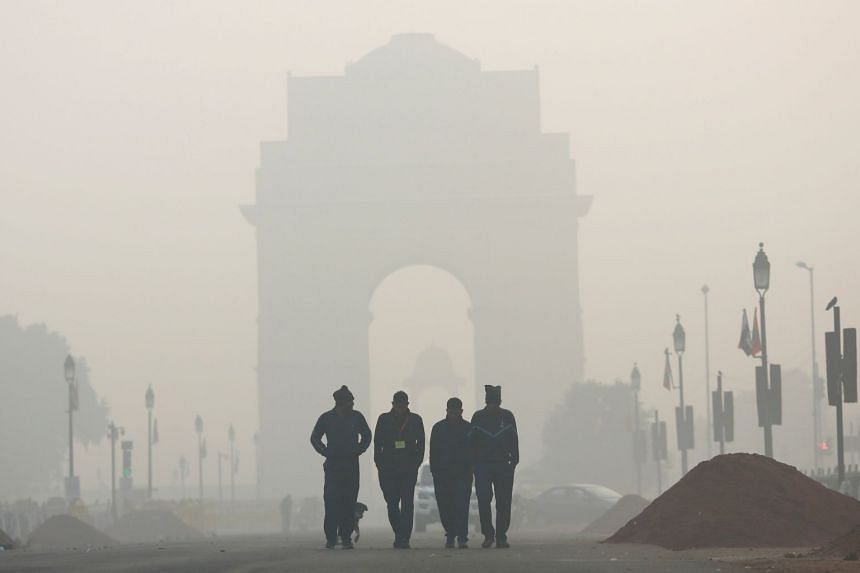 The India Gate is shrouded in smog in New Delhi, India, on Dec 26, 2018.