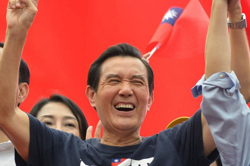Taiwan's top court ordered a new trial of former president Ma Ying-jeou, revoking his conviction in a political leaks case on Jan 3, 2019.