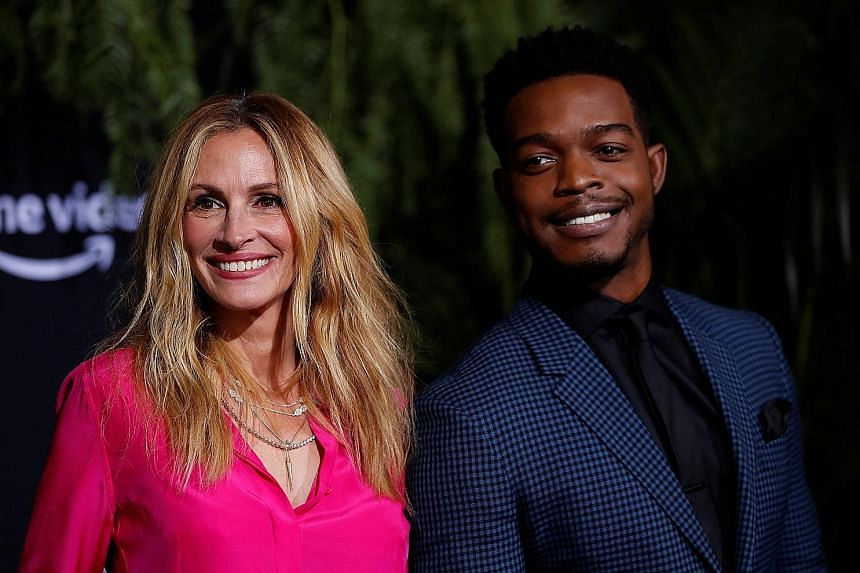 Julia Roberts and Stephan James star in Homecoming, an Amazon series based on a fictional podcast.