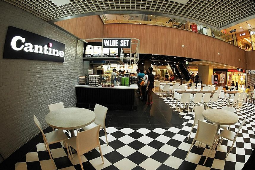 The Cantine foodcourt at Paya Lebar Square. Cantine foodcourts are the best-looking among the halal foodcourts run by Kopitiam. Tom yum ban mian has fried anchovies, minced chicken and egg.