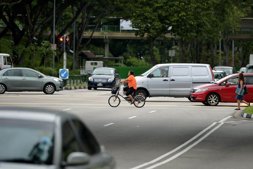 A system of fines and demerit points should also be put in place to discipline cyclists who break these laws.
