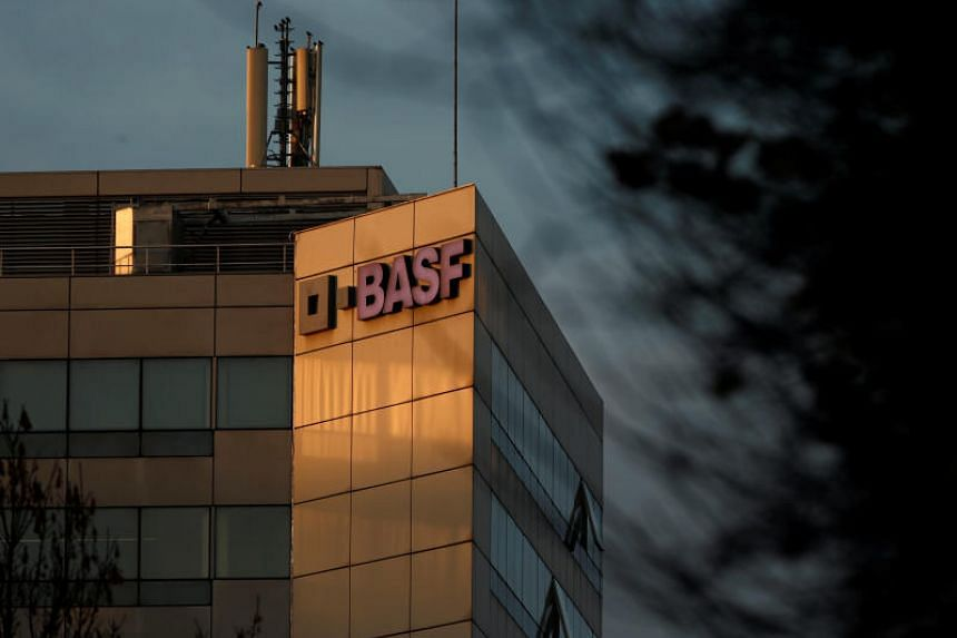 The six current and former BASF SE engineers are accused of accepting bribes and sharing the German company's technology with Jiangyin Jianghua Microelectronics Materials Co.