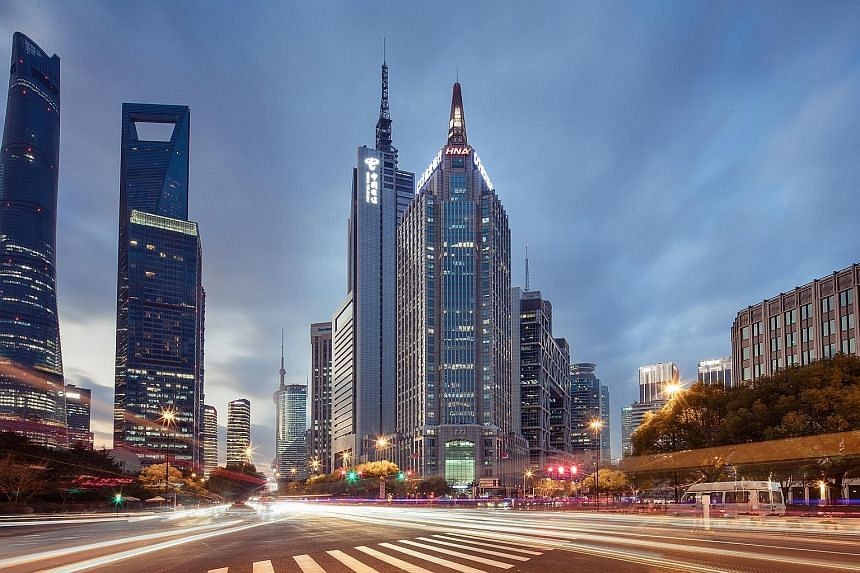 "Pufa Tower is located in Shanghai's core central business district of Lujiazui. It has 34 storeys and three basement-level carparks. Pufa Tower has not had a major renovation since its completion in 2002, with the interior finishes offering ""room for"