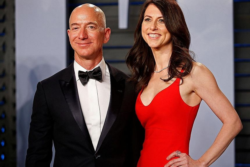 Amazon CEO Jeff Bezos and wife MacKenzie at last year's Vanity Fair Oscar Party. They decided to divorce after a long trial separation.