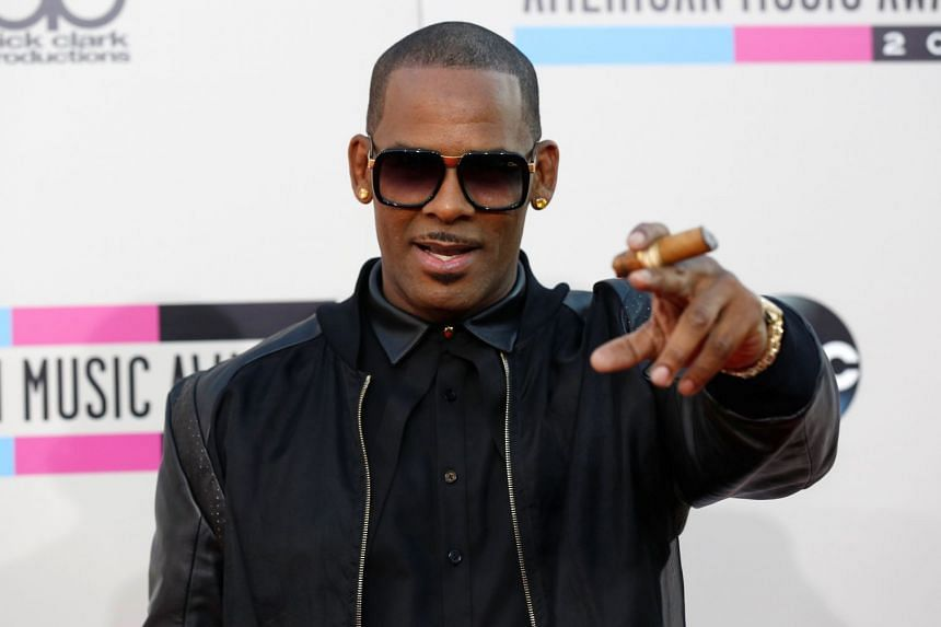 Singer R. Kelly arriving at the American Music Awards in 2013.