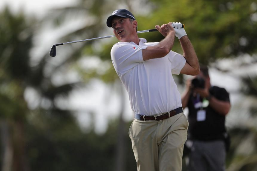 Matt Kuchar birdied six of his last 10 holes in a four-under 66 at Waialae Country Club in Honolulu, finishing the week with a 22 -under total of 258.