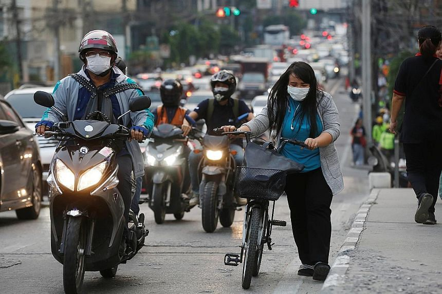 Although some health-conscious residents of Bangkok have resorted to wearing face masks while outdoors, the measure has not really caught on yet in the Thai capital. Kasetsart University's associate professor of economics Witsanu Attavanich says air