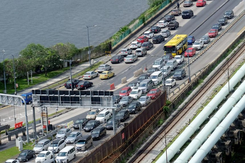 Traffic jams at the Causeway often peaked during festive periods, with some commuters reporting in December 2018 that they were stuck in jams lasting four to six hours at both Tuas and Woodlands Checkpoints.