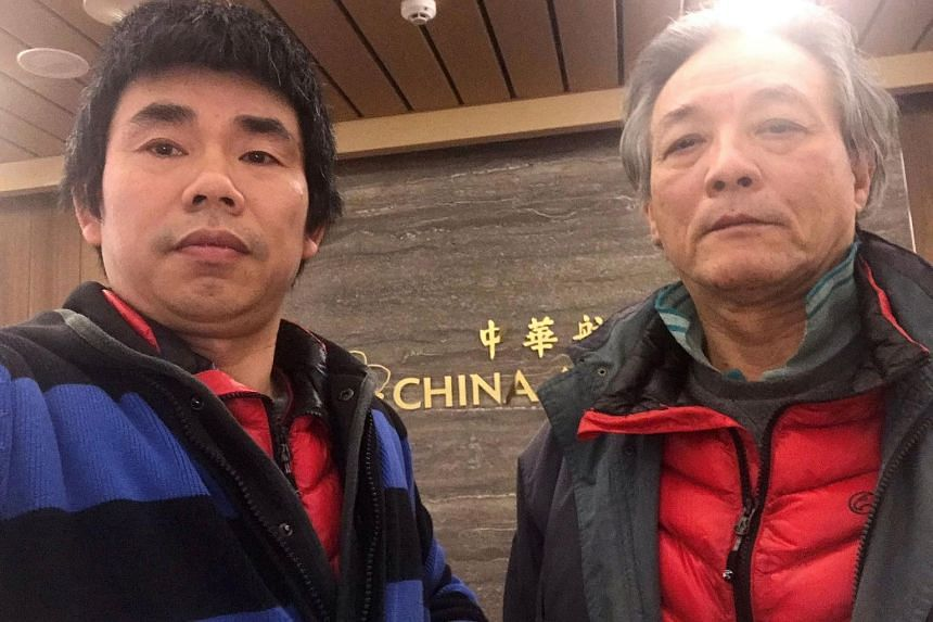 Chinese dissidents Yan Kefen (left) and Liu Xinglian at Taiwan's Taoyuan International Airport.
