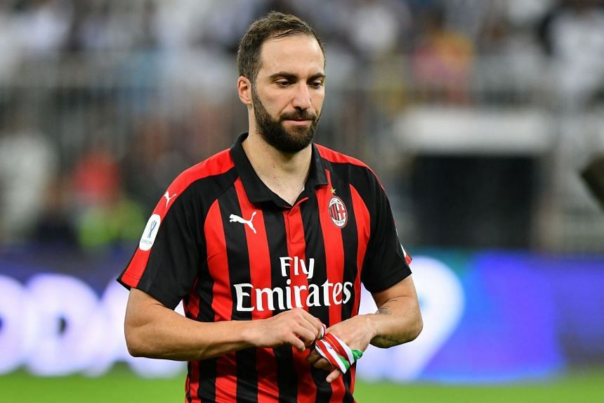 Maurizio Sarri worked with Gonzalo Higuain when he was manager at Napoli and it was under the Italian that the striker scored 36 goals to equal the Serie A record for most goals in a season in 2015-16.