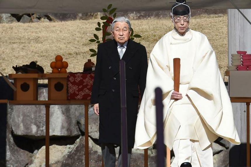 Japan's Emperor Akihito leaves the tomb of his late father, Emperor Hirohito, at the Musashino Imperial Mausoleum in Tokyo on Jan 7, 2019. Akihito will become the first emperor to abdicate in about 200 years in a ceremony on May 1, 2019.