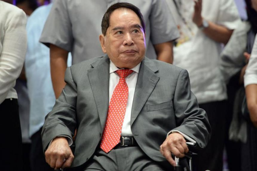 Philippine property tycoon Henry Sy at the opening of one of his shopping malls on May 16, 2013.