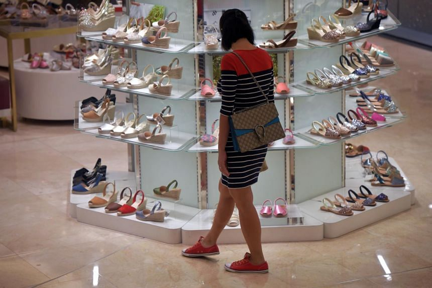 The overall cost of retail items moved up 1.7 per cent in December, mainly because of larger increases in the prices of clothing and footwear, as well as household durables.