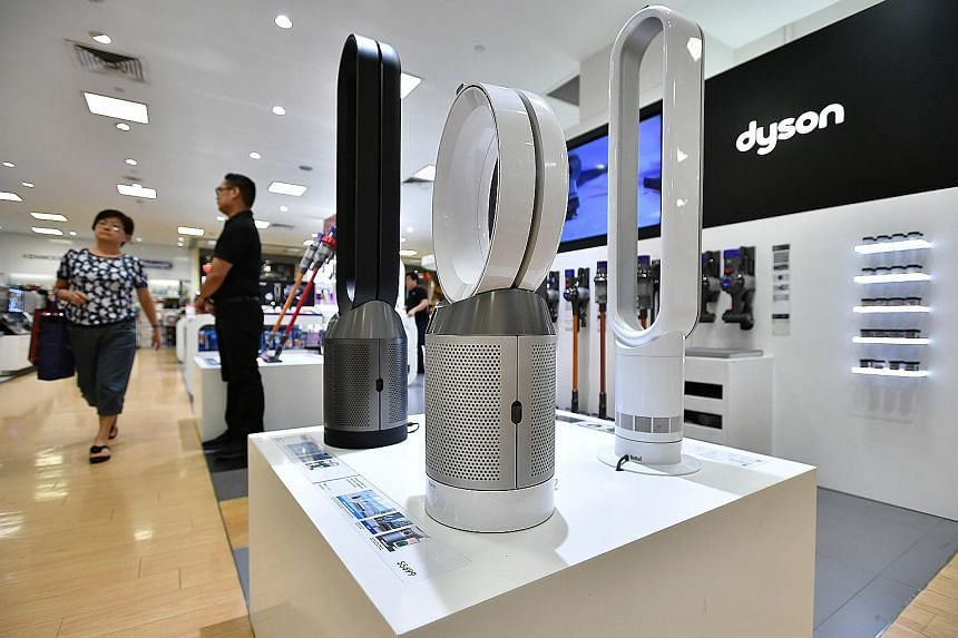 Dyson, known for its bladeless fans and bagless vacuum cleaners, is moving its corporate head office from Britain to Singapore.