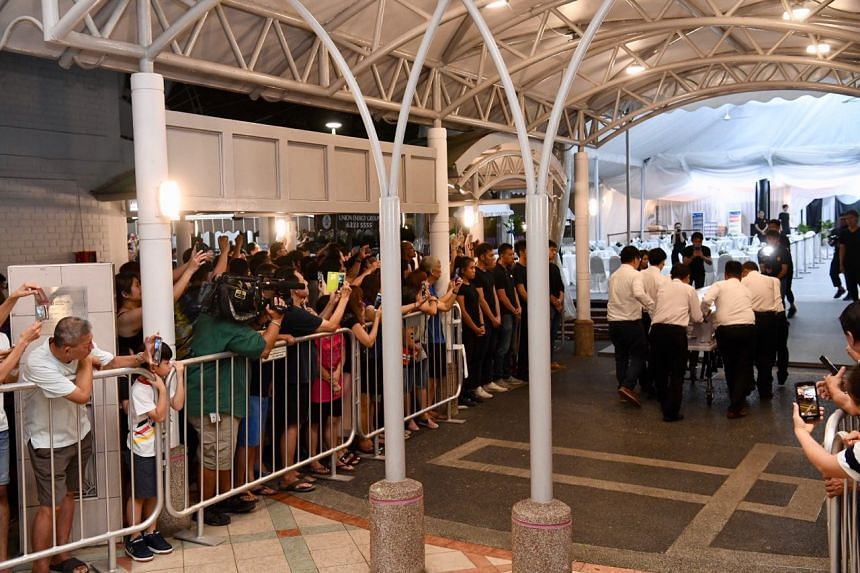 Hundreds of people showed up at MacPherson Lane to attend the wake of Aloysius Pang, on Jan 25, 2019.