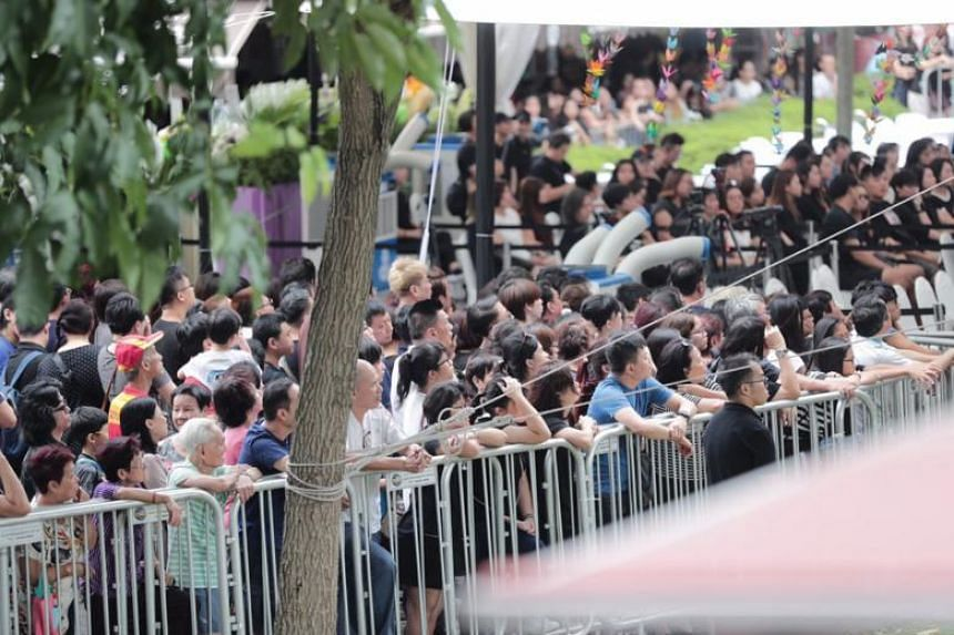The crowd waiting outside as a private ceremony went on during Mr Pang's wake in MacPherson, on Jan 27, 2019.