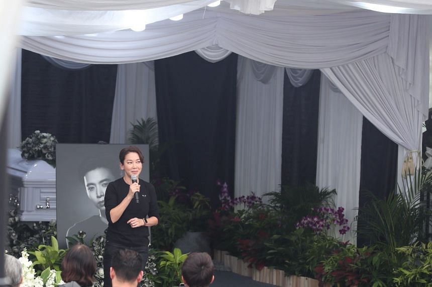 Actress Kym Ng delivering her eulogy during the wake in MacPherson on Jan 27, 2019.