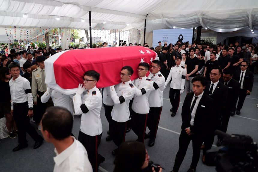 SAF personnel carrying the coffin of Aloysius Pang during the funeral, on Jan 27, 2019.