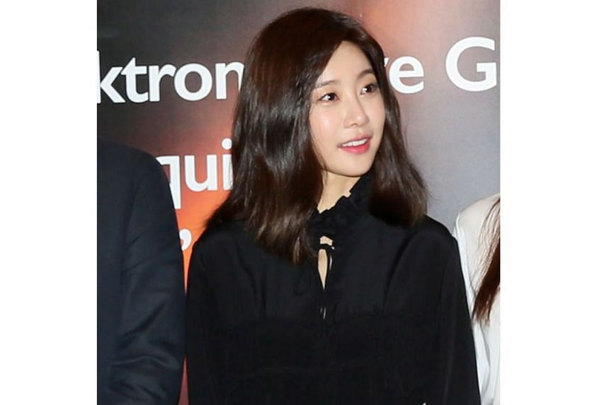 Sojin, leader of nine-year-old quartet Girl's Day, shocked fans when she gave notice to leave the Dream T Entertainment label. Her contract expires next month.