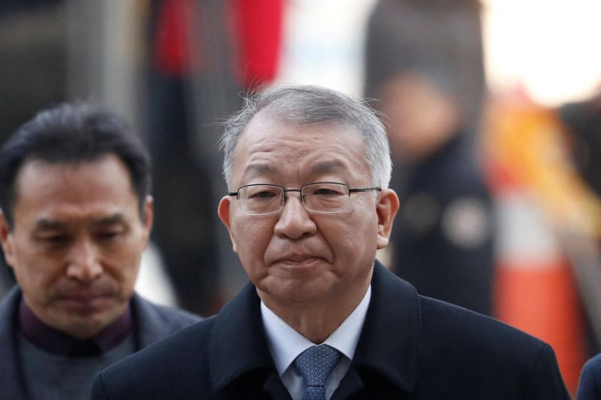 Former Supreme Court Chief Justice Yang Sung-tae appears at a court to attend a hearing for reviewing the prosecution's detention warrant at the Seoul Central District Court in Seoul, South Korea on Jan 23, 2019.