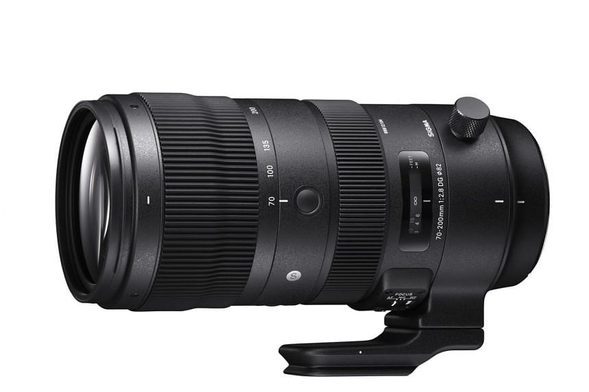 The Sigma 70-200mm f/2.8 DG OS HSM Sports lens features a dust- and splash-proof structure consisting of a magnesium-alloy barrel and a coated brass mounting.