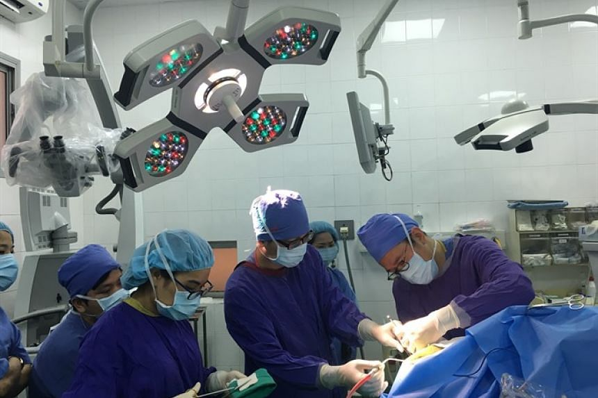 The first awake brain surgery in Vietnam was performed on a male patient in Hanoi on Jan 28, 2019.