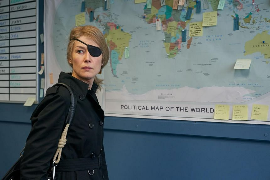 This biopic of the American journalist Marie Colvin (Rosamund Pike), as befits a story about a writer who lived to expose the effects of war on civilians, is a portrait that does not seek to flatter its subject.