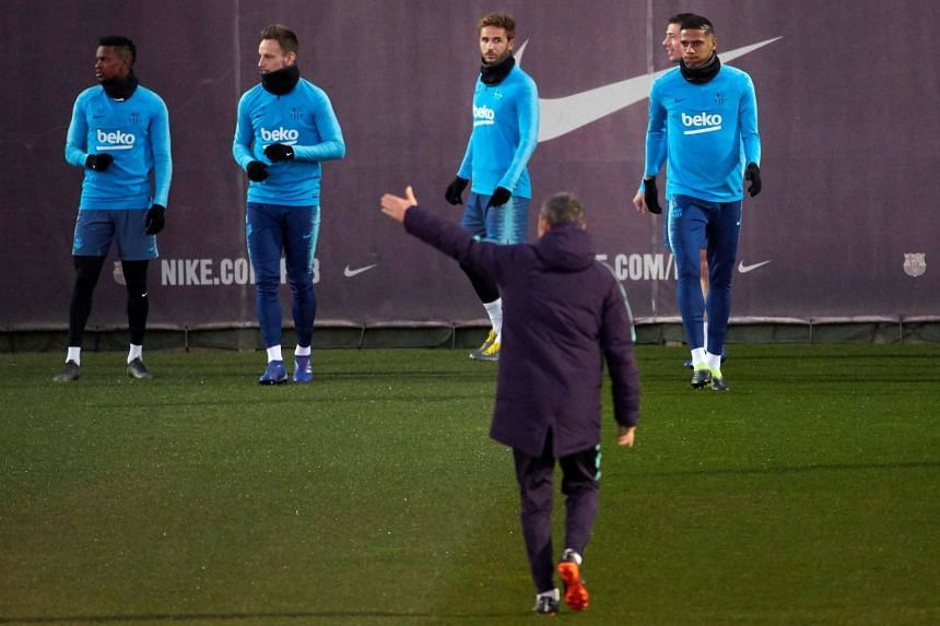 Valverde (front) leading a team training session in Barcelona.