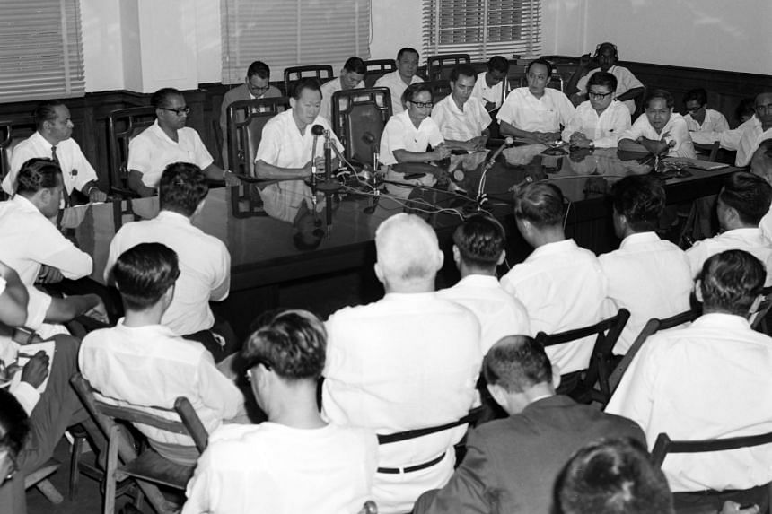 Prime Minister Lee Kuan Yew and Deputy Prime Minister Toh Chin Chye at the press conference on the Separation of Singapore and Malaysia in 1965.