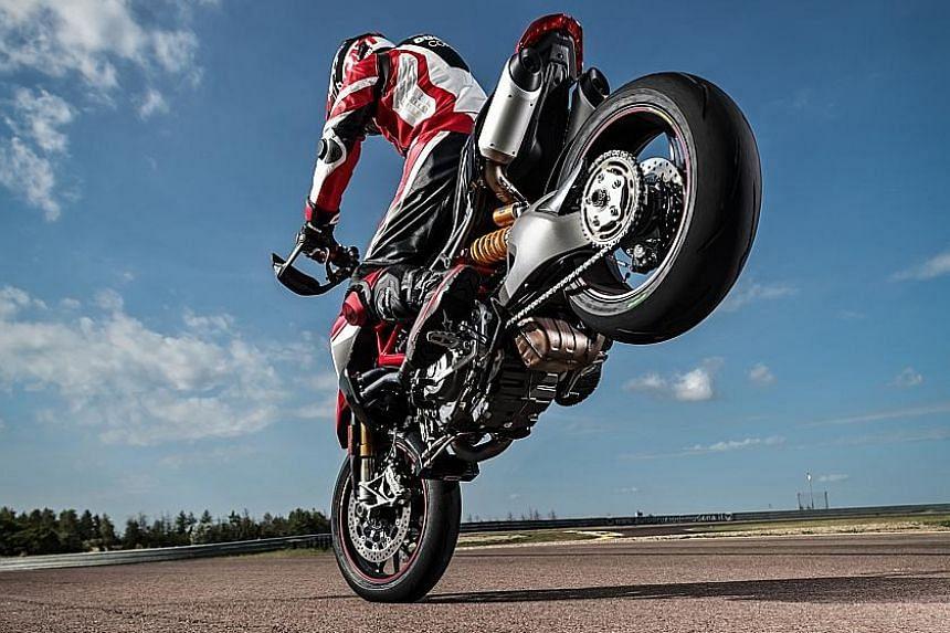 Hyper Hooligan Ducatis Latest Hypermotard 950 Motoring News Top
