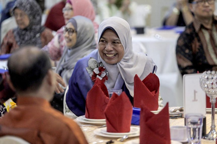 Malaysian Housing and Local Government Minister Zuraida Kamaruddin's science degree from the National University of Singapore has been questioned by a Twitter user.