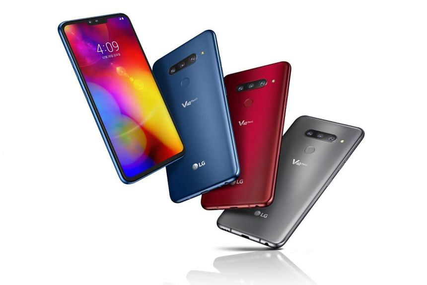The V40 has all the features of a flagship smartphone, such as wireless charging and IP68 certification for water- and dust-resistance while retaining its predecessor's 3.5mm audio jack and the 32-bit quad digital-to-analogue converter for good quali