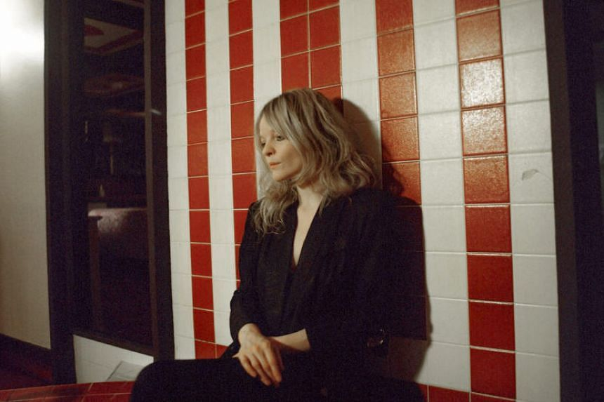 San Francisco-born, Los Angeles-based songsmith Jessica Pratt believes less is more - her third album, Quiet Signs, unfurls its slow-burning magic over nine tracks in only 28 minutes.
