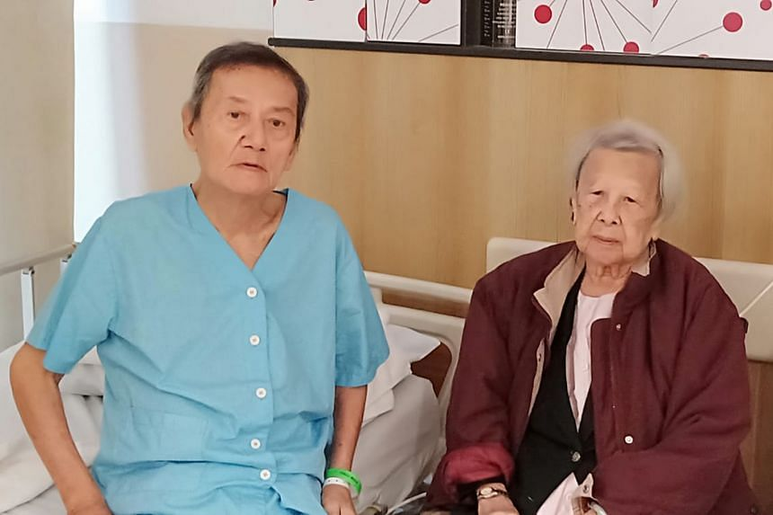 Above: Mr Phua Gee Moh and his wife, Madam Han Fong Tin, when they were younger. Below: Assisi Hospice converted a double room for the loving couple so that Mr Phua, 93, who had leukaemia, could continue to care for Madam Han, 92, who has dementia. M