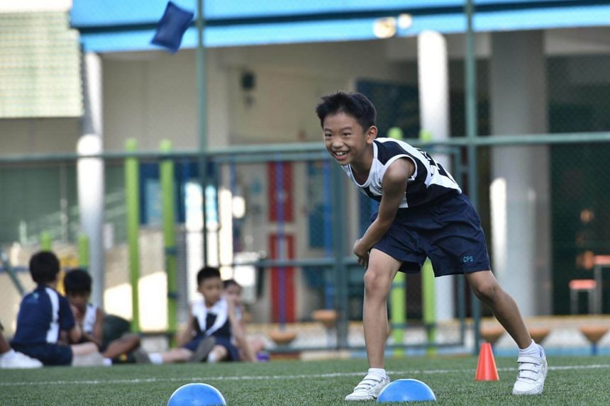 All students learn sports as part of their school's physical education programme, and many participate in inter-class competitions.