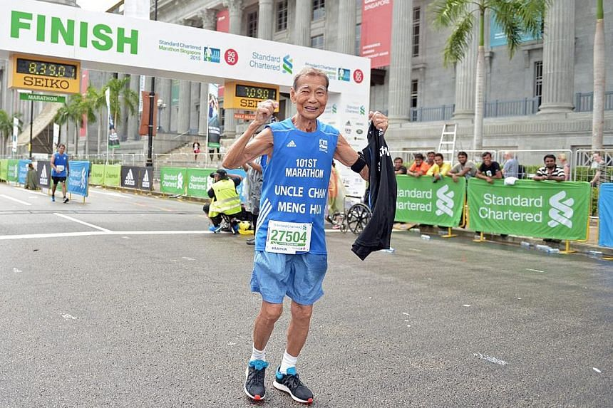 Chan Meng Hui after completing the Standard Chartered Marathon Singapore on Dec 6, 2015. It was his 101st and last marathon.