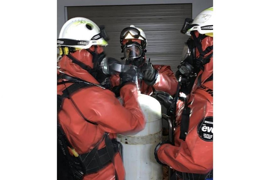 A HazMat team responded to an ammonia vapour leak in Ang Mo Kio. The leak was caused by a faulty valve from a leaked container.