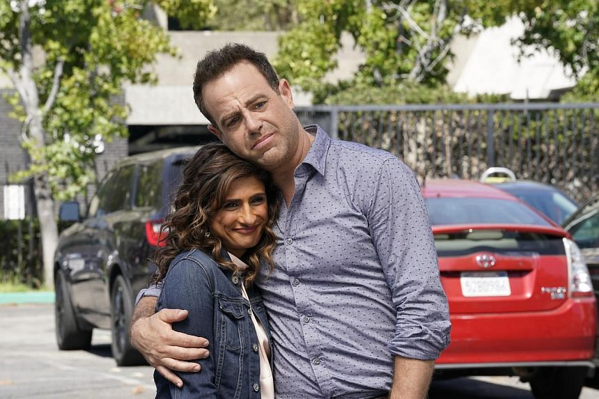 New television comedy I Feel Bad, which stars Sarayu Blue and Paul Adelstein, takes a very human and real look at parenting.