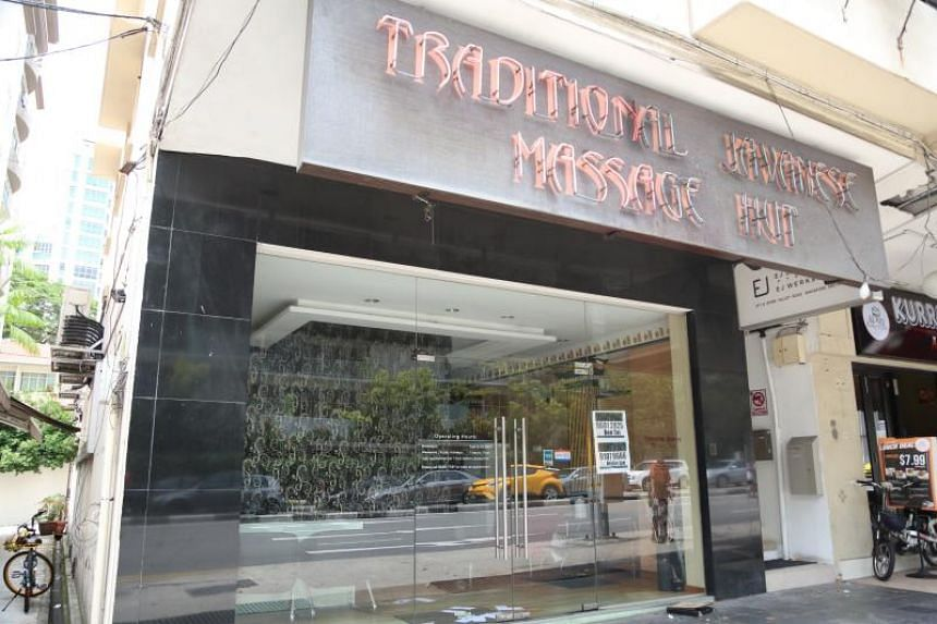 The sudden closure of the Traditional Javanese Massage Hut chain saw consumers losing nearly $200,000 in prepaid unutilised sessions.