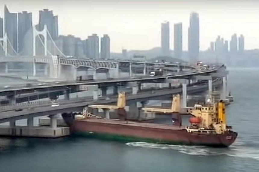 A still from a video posted on social media showing the Russian cargo ship ramming into Gwangan Bridge in the Korean port city of Busan on Thursday.