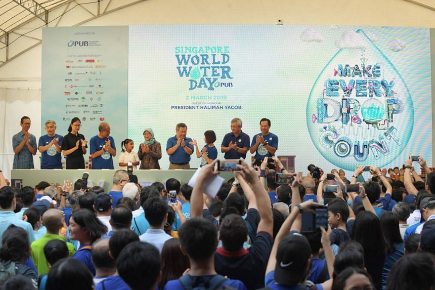 President Halimah Yacob (sixth from left) and other guests opening the Singapore World Water Day 2019 at the Marina Barrage, on March 2, 2019.